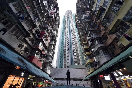 """香港鰂鱼涌""""怪兽大厦"""",曾是变形金刚拍摄地(图片来源:东方IC)"""
