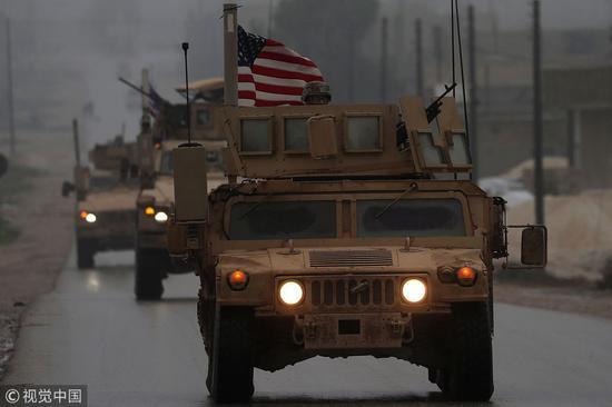 美军车队在叙利亚巡逻 图源:视觉中国