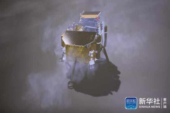 图为1月3日在北京航天飞走限制中心拍摄的下落过程(暗示图)(图源:新华社)