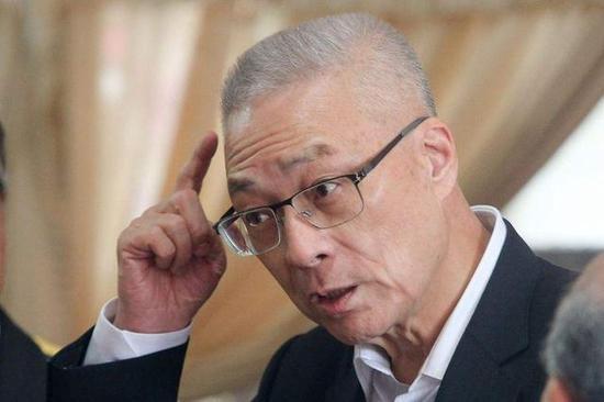 国民党主席吴敦义。