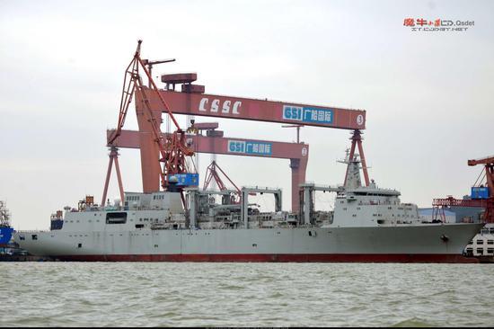 """建造中的""""查干湖""""号 图源:浩汉防务"""