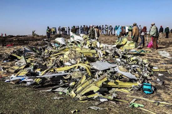 ▷ ET302坠地前机身已起火