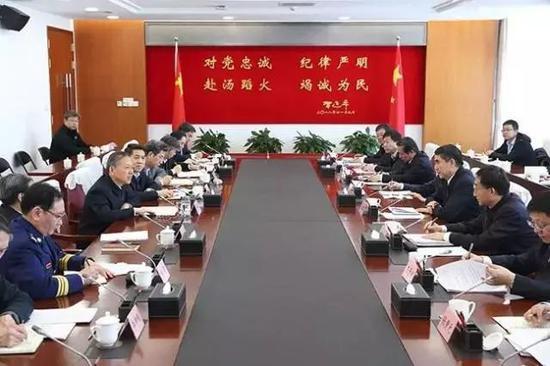 黄明会见青海省委书记王建军、省长刘宁一行