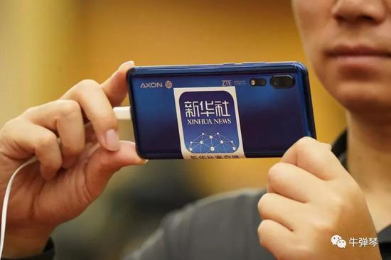 """当5G技术在中国两会上惊艳四方时,一场""""5G争夺战""""已在全球范围内悄然打响。"""