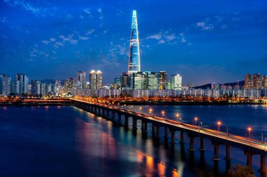 政商勾结、特权横行,韩国沉疴难愈的财阀问题又一次进入了大众视野。