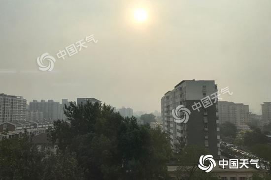 北京今晨阳光上岗。