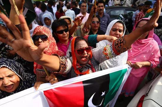 巴基斯坦人民抗议莫迪政府此举(来源:欧洲新闻图片社)