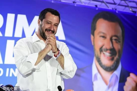 当地时间5月27日,联盟党赢得欧洲议会选举,萨尔维尼出席新闻发布会。