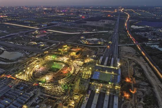 8月18日,建设中的高铁淮安东站。图/视觉中国