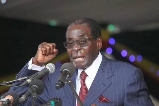津巴布韦前总统穆加贝去世 此前一直在新加坡住院