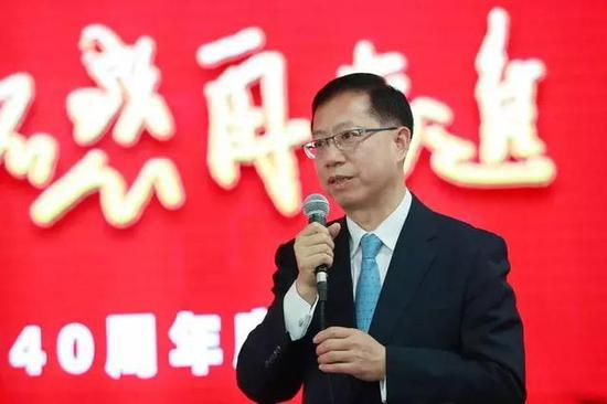 中国铁塔现跌近2% 遭富瑞降至持有评级