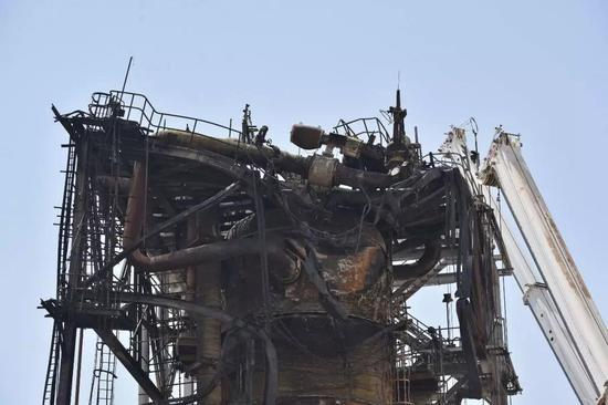 这是9月20日在沙特胡赖斯拍摄的遭无人机袭击的石油设施。新华社/法新