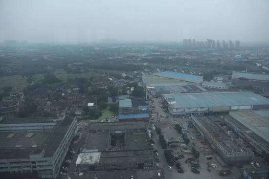 东方钢材城俯拍。 摄影/本刊记者董洁旭