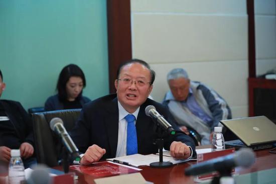 中国国际经济交流中心副理事长 魏建国 中新社记者 贾天勇 摄