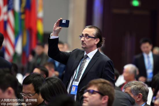 10月20日上午10时,第六届世界互联网大会在乌镇互联网国际会展中心乌镇厅开幕。来源:人民网