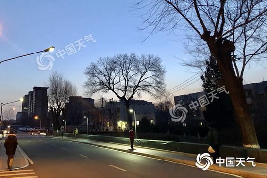 北京今日天气晴间多云 较适宜观测日偏食