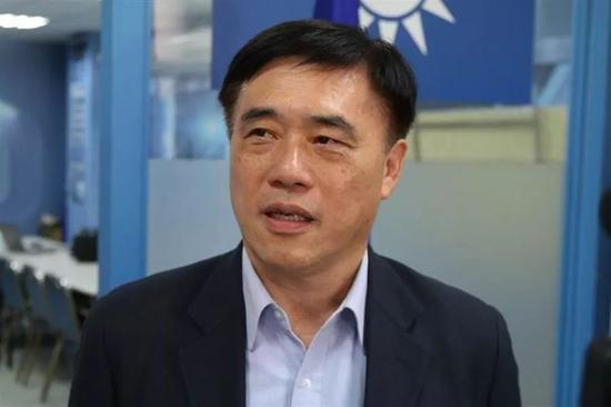 国民党主席吴敦义副主席郝龙斌曾永权请辞