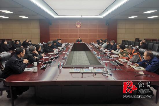 湘乡第暂时间召开远程客运服务点专项整顿会