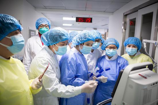 奋战在一线的护士团队