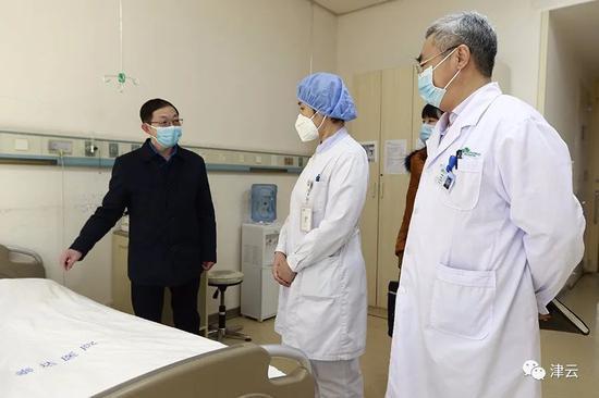 束昱辉被公诉:任33家企业高管百亿保健帝国收缩