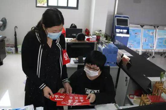 视频:迟到的狗粮!周杰伦晒与昆凌斗舞视频 甜蜜送520祝福