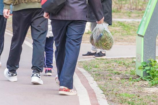 广东湛江一小学号召家长捐防疫物资 回应:并非强制