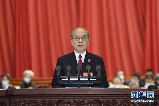 5月25日,十三届全国人大三次会议在北京人民大会堂举行第二次全体会议。最高人民检察院检察长张军作最高人民检察院工作报告。 新华社记者 岳月伟 摄