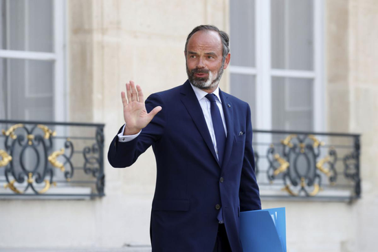 法国总理辞职,5天前当选了市长