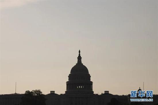 ▲这是7月8日在美国华盛顿拍摄的清晨时分的国会大厦。新华社记者 刘杰 摄