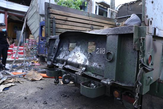【蜗牛棋牌】菲律宾总统杜特尔特视察霍洛市连环爆炸现场