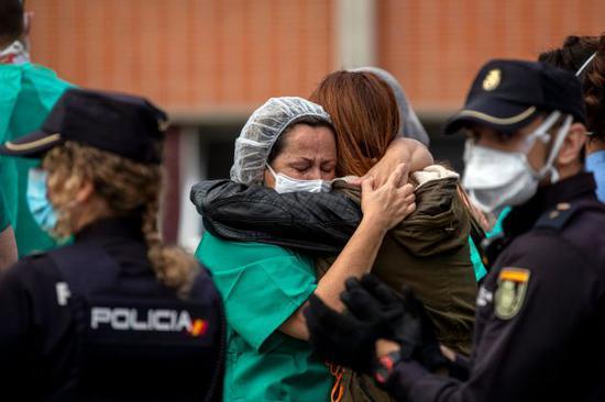 西班牙为欧洲首个累计确诊超100万国家 马德里拟采取宵禁措施(图1)