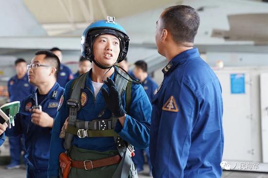 臺媒街頭采訪臺灣年輕人:你們願意上戰場嗎?