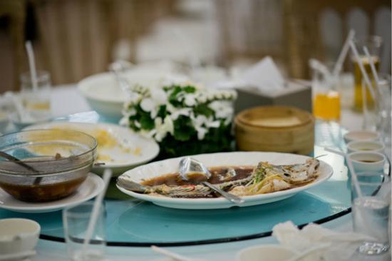 上海餐饮浪费行为巡访报告出炉:超9成餐桌光盘或打包