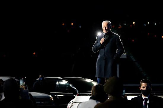 """拜登在匹兹堡举走""""不下车集会""""。/ 《纽约时报》网站截图"""