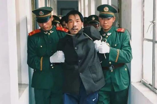 1999年12月28日,法子英被押赴刑場履行槍決