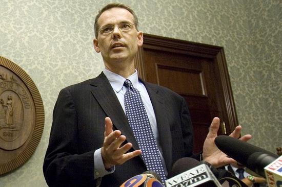 美媒:特朗普向道德律师鲍尔斯求助,请求对方为其弹劾案进行辩护
