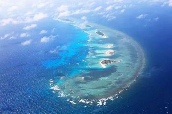 航拍中国南海岛屿。图|新华社