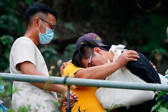 台铁事故肇事者被曝说谎 遇难者家属愤怒:必须有个交代