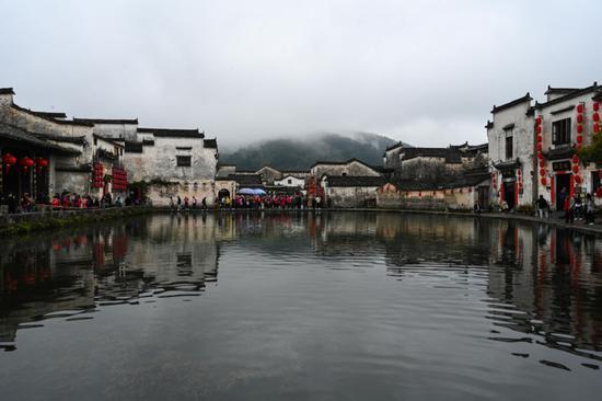 雨后的安徽省黄山市1;县宏村 韩旭 摄