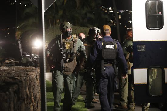 美国一军人酒店内开枪乱射 与警方对峙10小时后自杀
