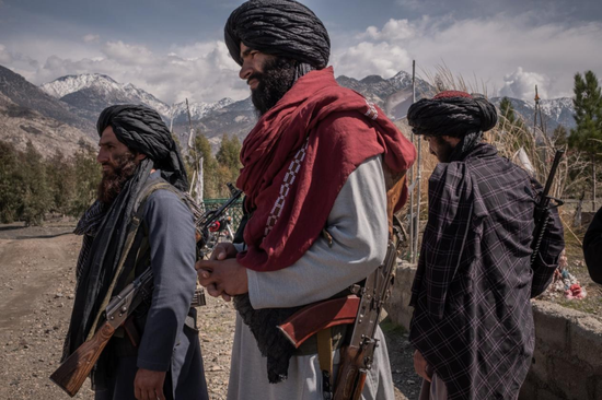 (圖說:2020年,活躍在阿富汗拉格曼省的塔利班成員。圖/The New York Times)