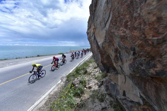 环青海湖国际公路自行车赛创办于2002年,是大美青海走向世界的一张名片。