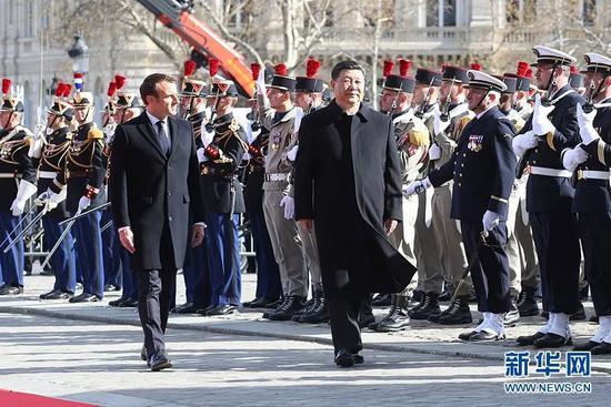 3月25日,中国国家主席习近平在巴黎爱丽舍宫同法国总统马克龙会谈。会谈前,马克龙在凯旋门为习近平举行隆重、盛大的欢迎仪式。新华社记者 姚大伟 摄 图片来源:新华网