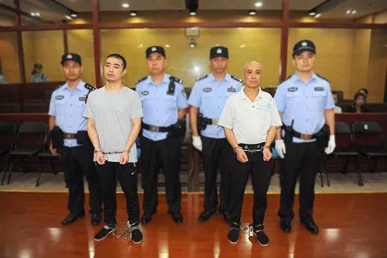 南京溺死脑瘫女童案宣判:女童父亲爷爷双双获刑