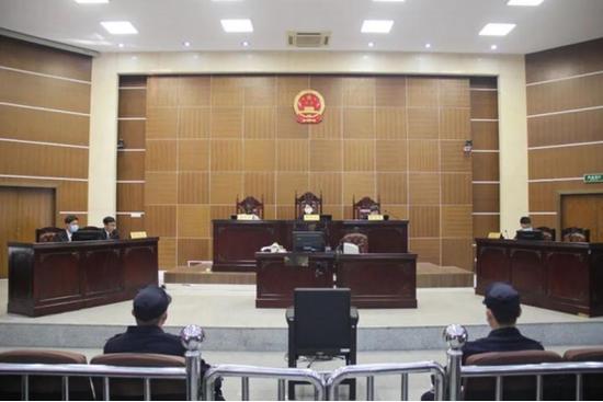 怕被供出来,副局长曾两次徘徊在纪委监委门口