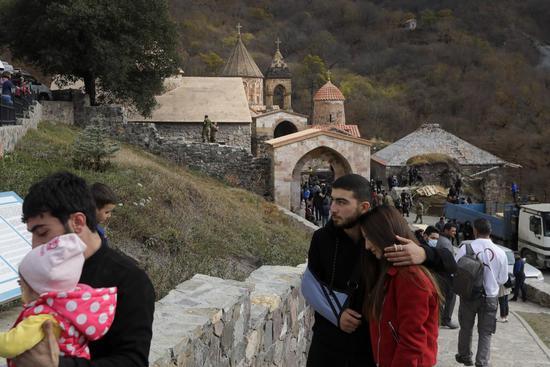 亚美尼亚人撤离家园(美联社)