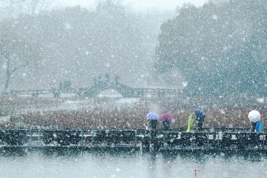 杭州雪景(图片来源:视觉中国)