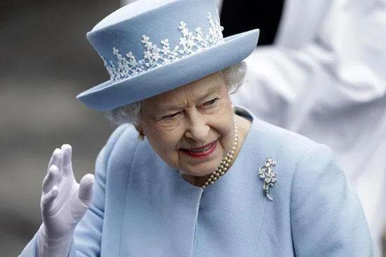 """英国媒体大胆曝光女王""""重磅丑闻"""""""