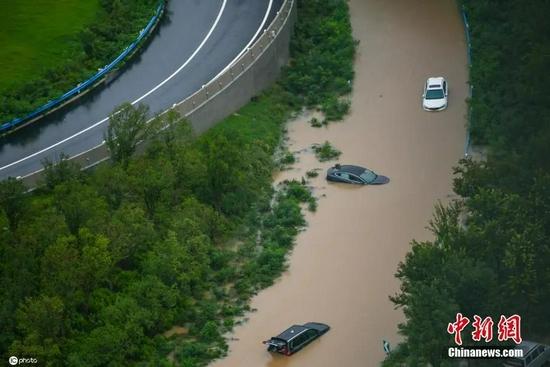 7月21日,河南,郑州暴雨第二日。威尼斯电子来源:ICphoto