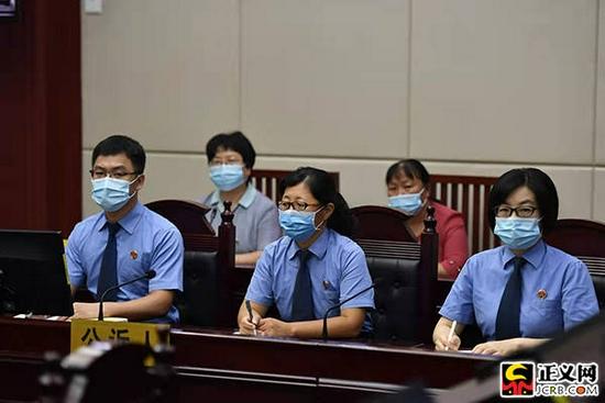 9月9日,劳荣枝案庭审公诉人席。王小文 洪放 刘彤彤 摄